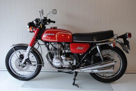 honda cb 350 four moto classics. Black Bedroom Furniture Sets. Home Design Ideas