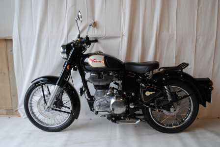 Royal enfield classic 500 moto classics for Royal classic house