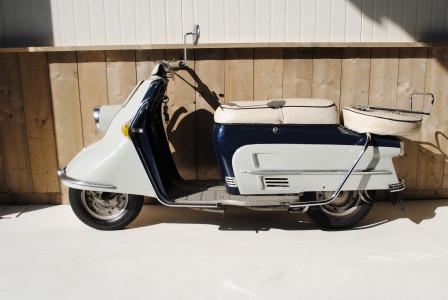 heinkel tourist 103 a2 moto classics. Black Bedroom Furniture Sets. Home Design Ideas
